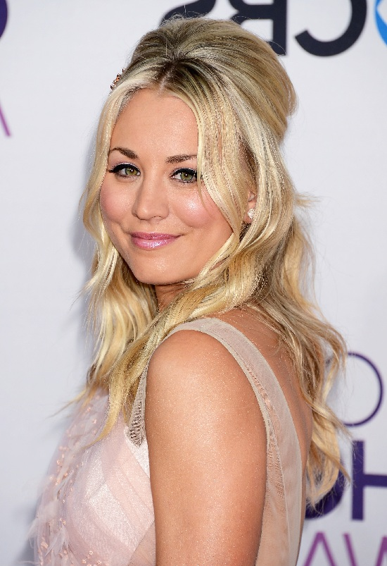 Kaley Cuoco Prom Hairstyle