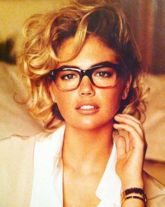 Kate Upton Short-Curly-Hairstyles