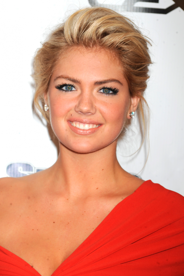 Kate Upton swept away Haircut