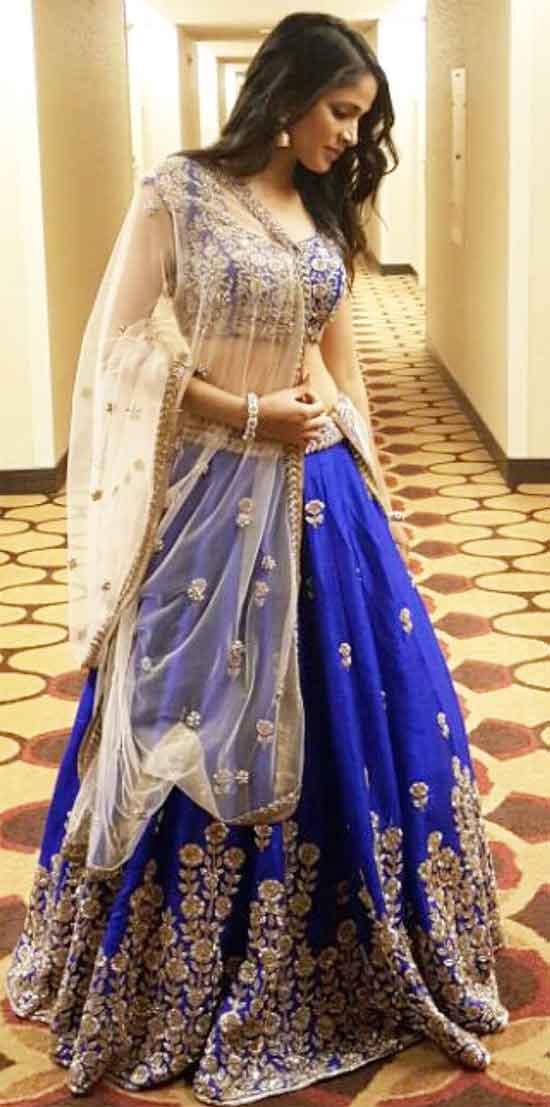 Lavanya-Tripathi-In-Blue-Banglori-Embroidered-Lehenga