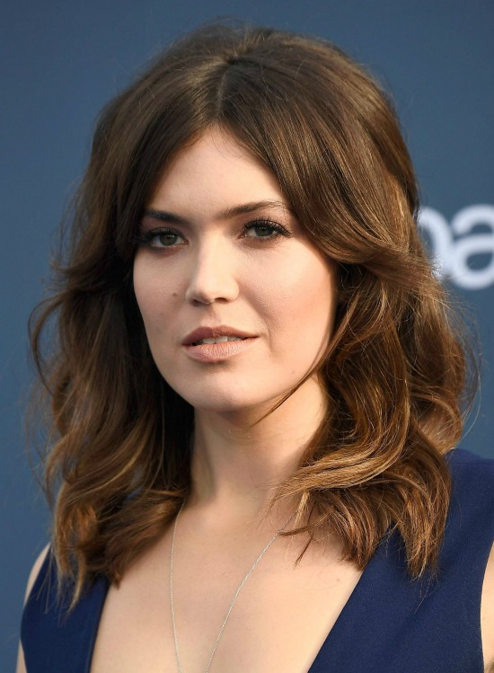 Mandy Moore Shoulder Length Medium Wavy Hairstyle