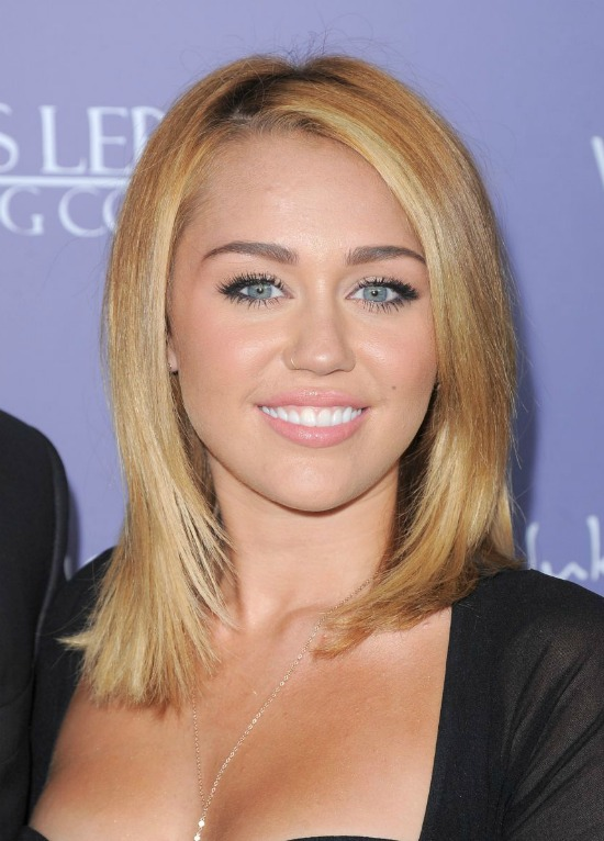 Miley Cyrus's Blond Bob Haircut