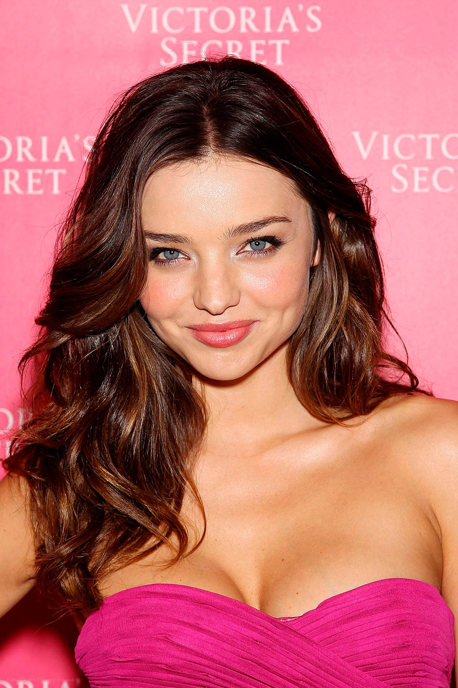 Miranda Kerr Long Wavy Hairstyle