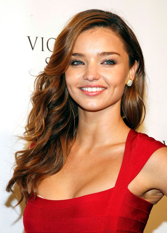 Miranda Kerr Side Swept Waves