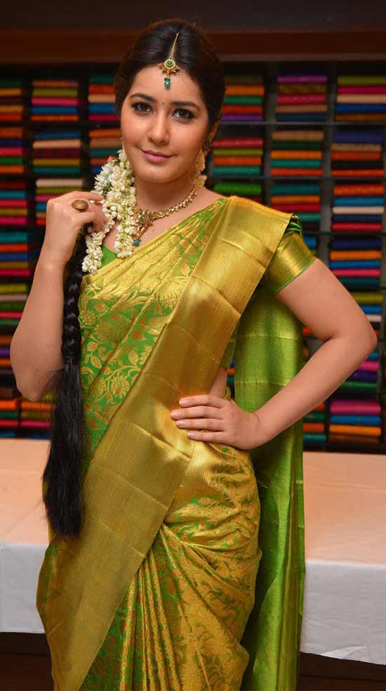 Rashi-Khanna-In-Green-Kanjivaram-Saree