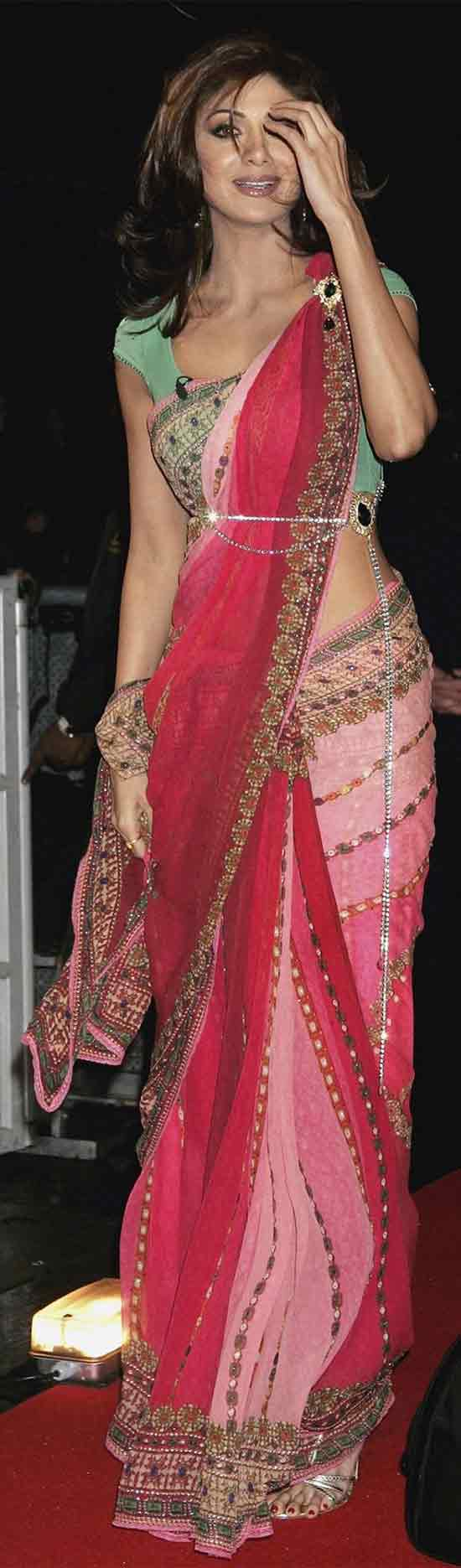 Shilpa-Shetty-In-Designer-Saree
