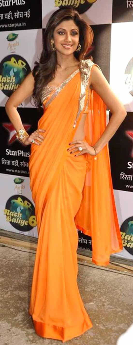Shilpa-Shetty-In-Orange-Chiffon-Saree