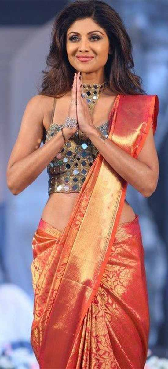 Shilpa-Shetty-In-Traditional kanjeevaram-Saree Combined-with-stylish-spaghetti-top-with-Mirrorwork
