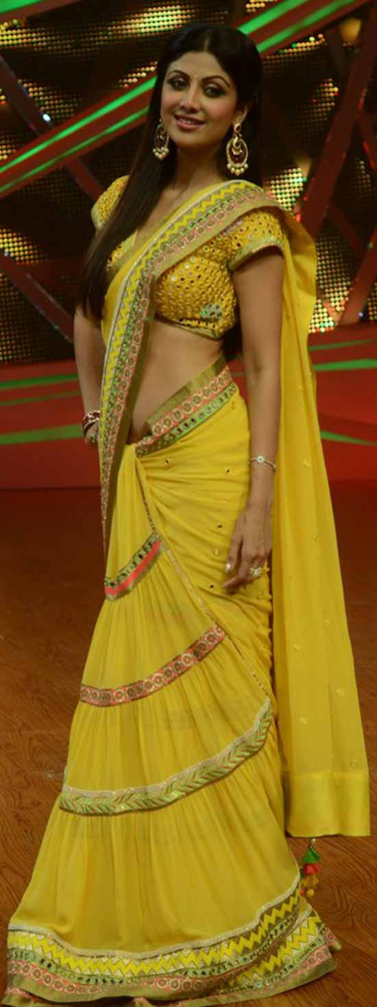 Shilpa-Shetty-In-Yellow-Saree-With-Mirror-Work-Blouse