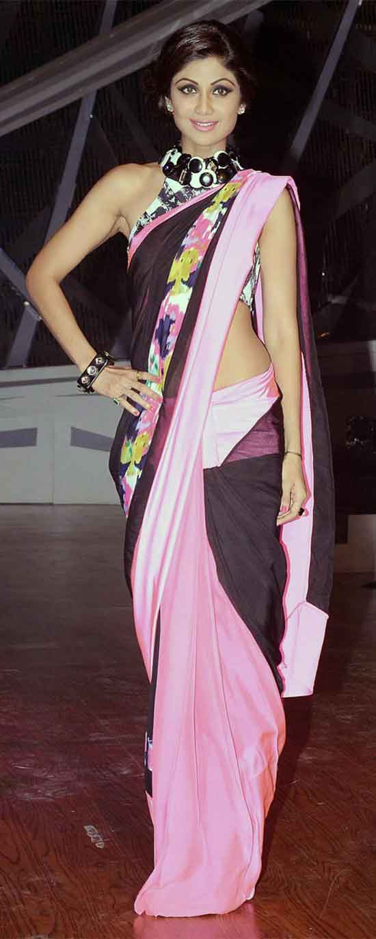 Shilpa-Shetty-in-black-and-pink-satin-silk-saree