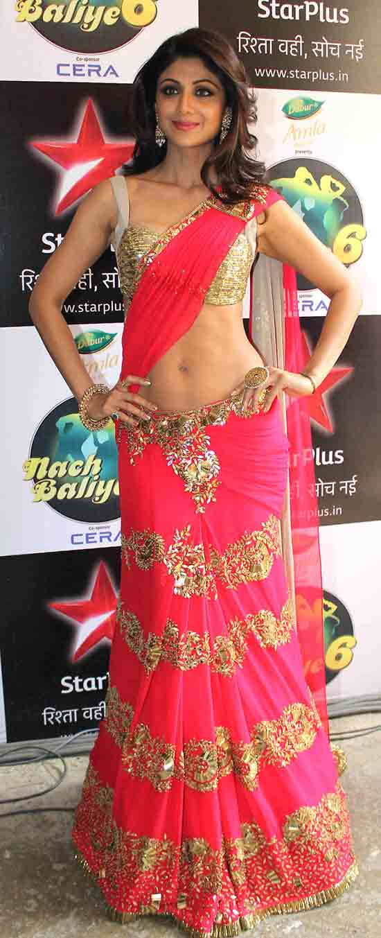 Shilpa-shetty-in-a-gorgeous-bright-pink-lengha