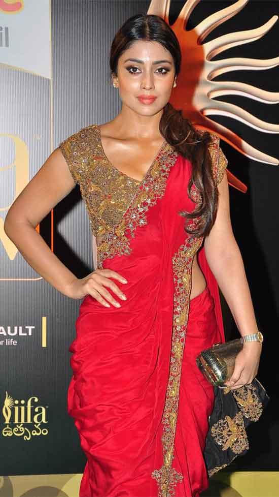 Shriya-Saran-In-Red-Saree-With-Embroidery-Work