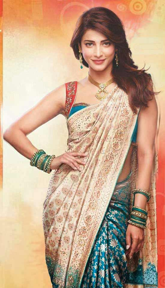 Shruti-Hassan-In-Cream-And-Blue-Silk-Saree