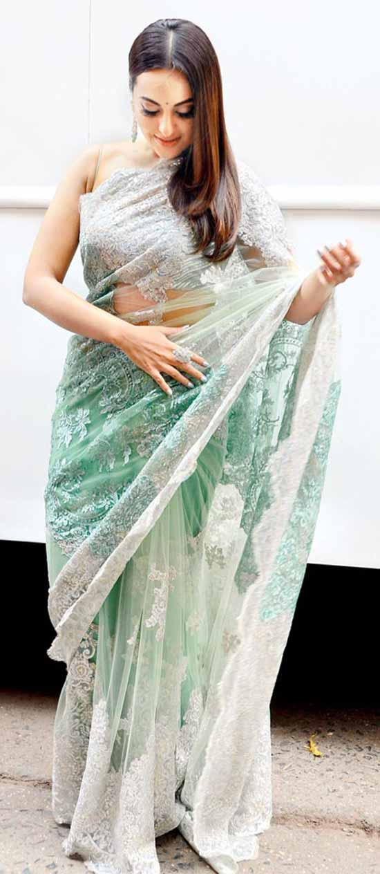 Sonakshi-Sinha-In-Off-White-And-Green-Saree