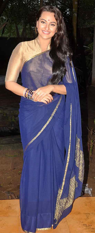 Sonakshi-Sinha-In-Plain-Blue-Saree