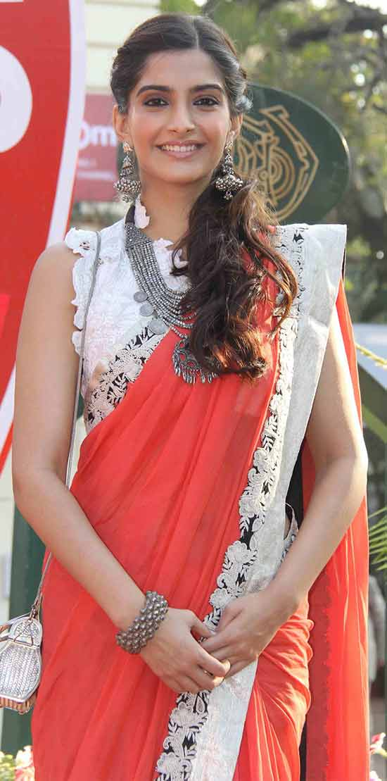 Sonam-Kapoor-In-Orange-Saree