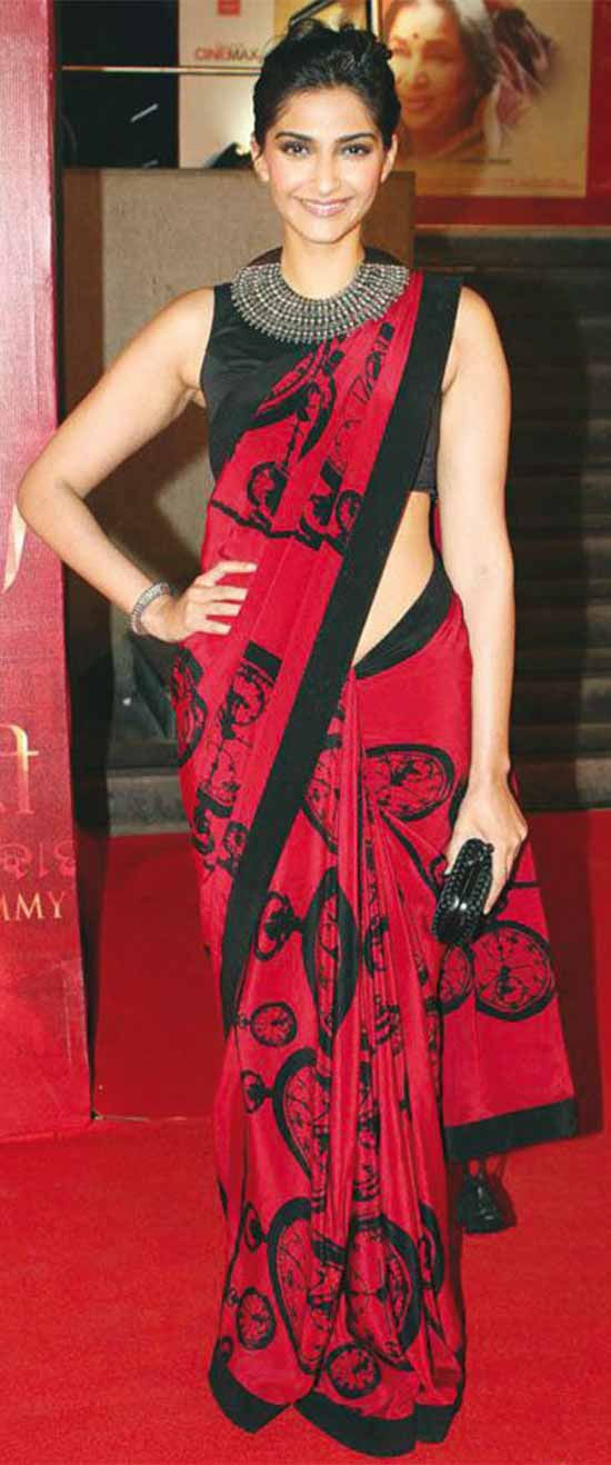 Sonam-Kapoor-In-Red-And-Black-Saree