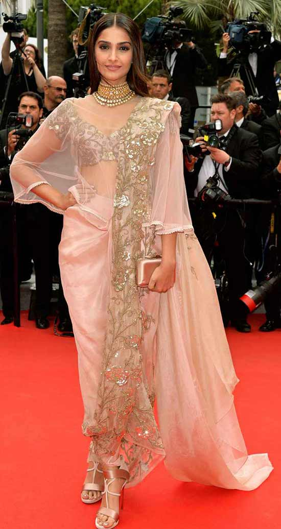 Sonam-Kapoor-mixes-metallic-embroidery-glitz-with-ethereal-and-sheer-pastels-in-saree-by-Anamika-Khanna