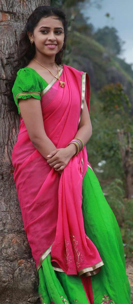 Sri-Divya-In-Hot-Pink-And-Green-Half-Saree