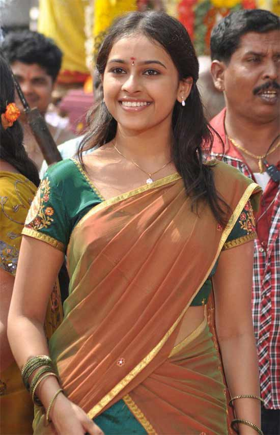 Sri-Divya-In-Pine-Green-Half-Saree