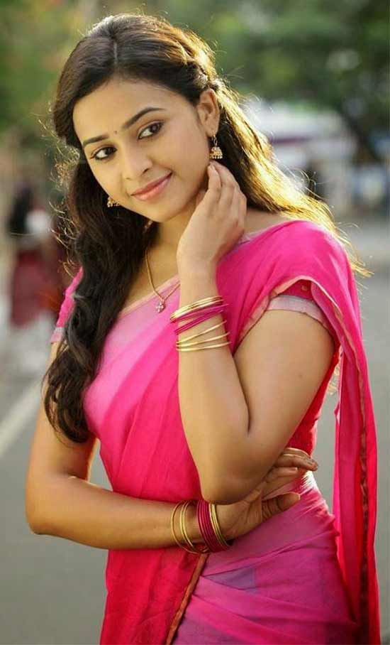 Sri-Divya-In-Pink-Shaded-Half-Saree
