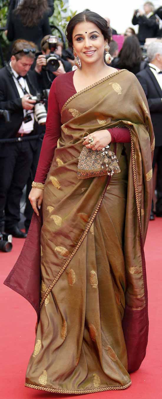 Vidya-Balan-at-Cannes-in-a-sari-by-Sabyasachi