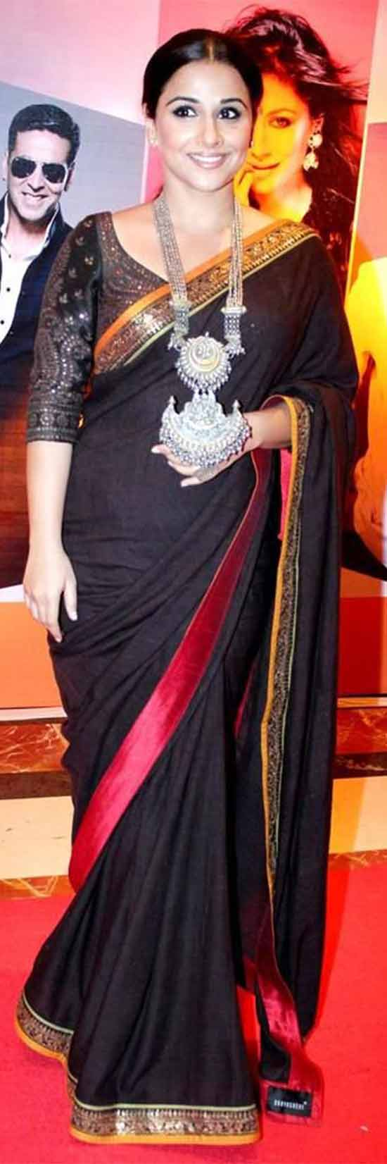 Vidya-Balan-in-Black-Zari-Border-Saree-With-Designer-Blouse