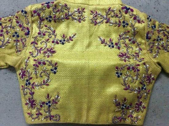 22 Graceful Pics Of Simple Thread Work Blouse Saree Designs