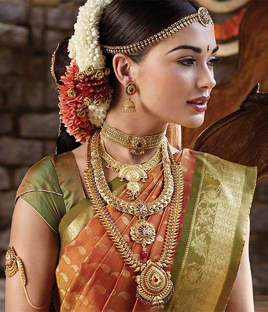 Amy-Jackson-Latest-Beautiful-Cute-Bridal-Saree