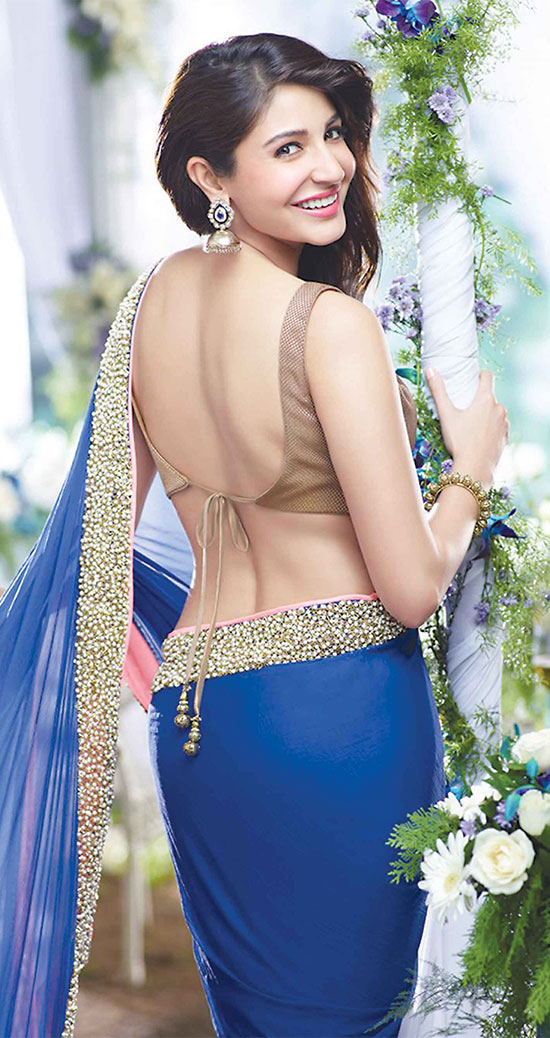 Anushka-Sharma-In-Blue-Saree-With-Backless-Blouse