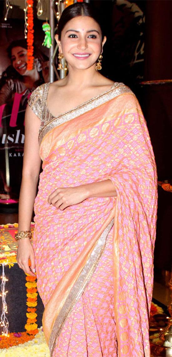 Anushka-Sharma-Pink-Saree-With-Gold-Border