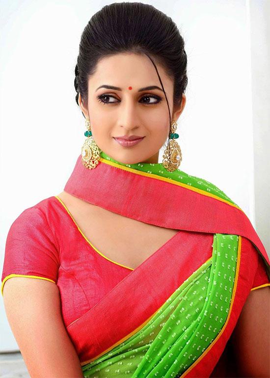 Divyanka-Tripathi-Green Saree