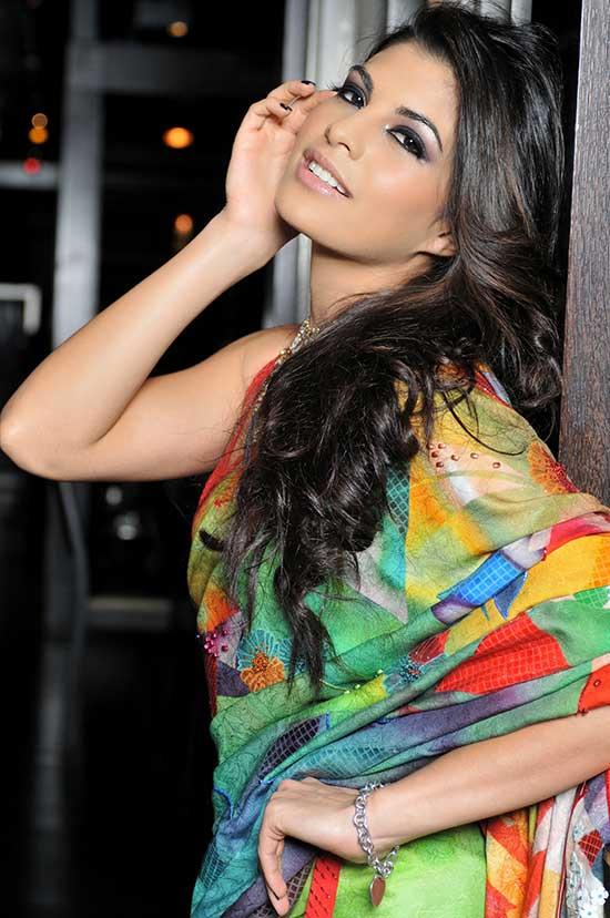 Jacqueline Fernandez In Colourful Saree