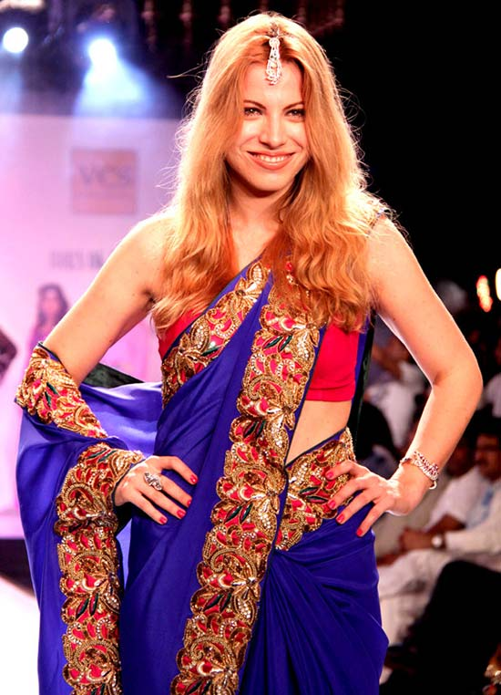 Julia Bruchwitz in blue saree