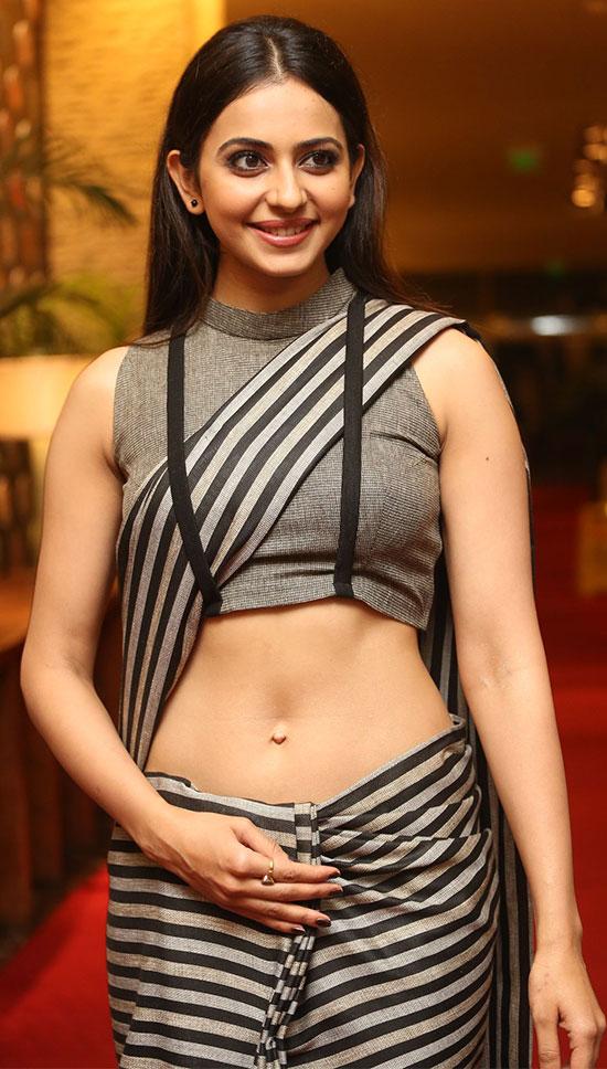 Rakul-Preet-in black Saree