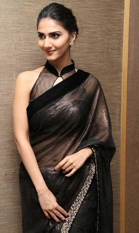 Sleevless Transparents Black Saree