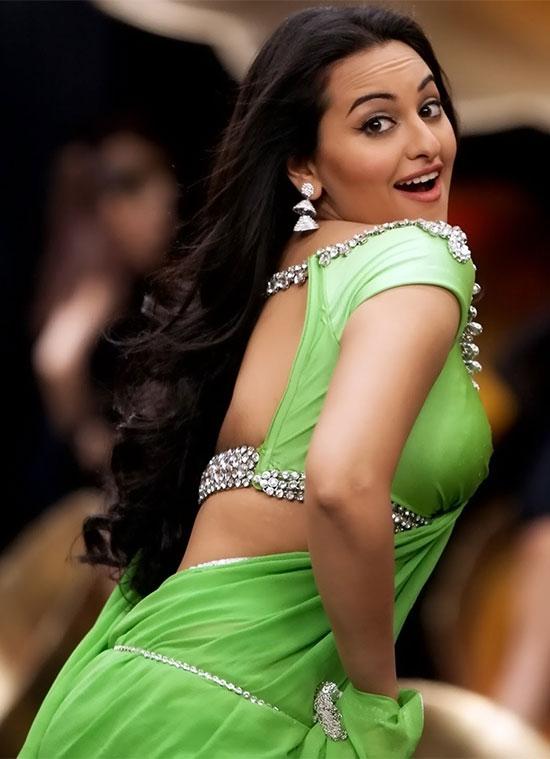 Sonakshi-Sinha-In Green Saree