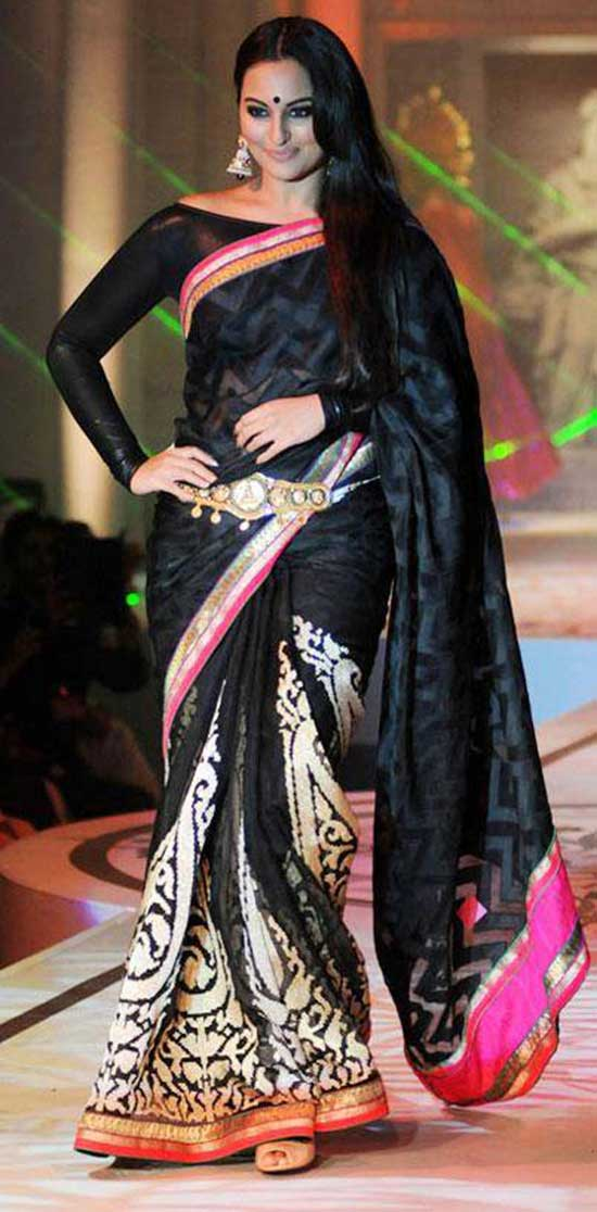 Sonakshi Sinha in Black saree