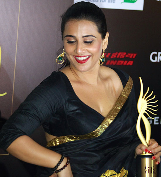 22 Amazing Pics Of Vidya Balan In Saree