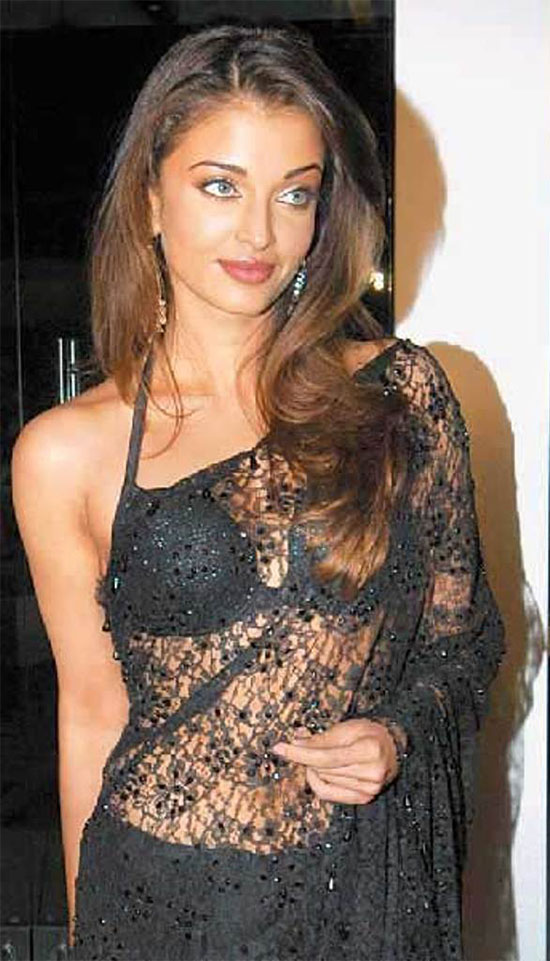 aishwarya-rai-in Black net saree