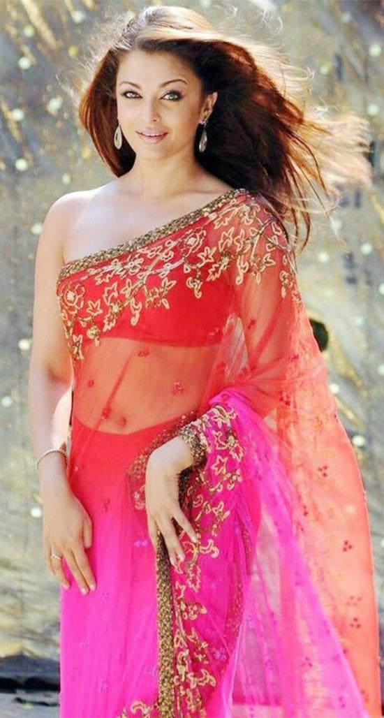 aishwarya-rai-in multi clor saree
