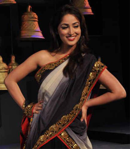 yami gautam in cream with black saree