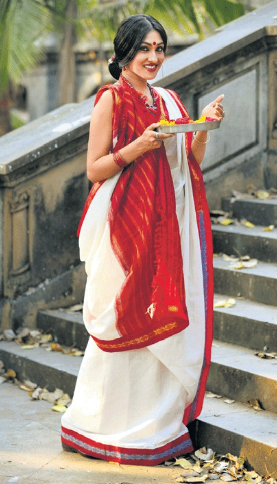 Pure Cotton Bengali Saree With Red Pallu