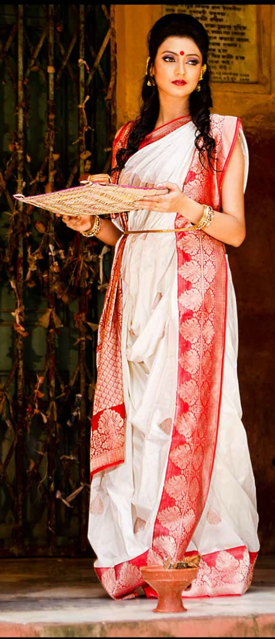 White Bengali Saree With Zari Border And Leaf Design