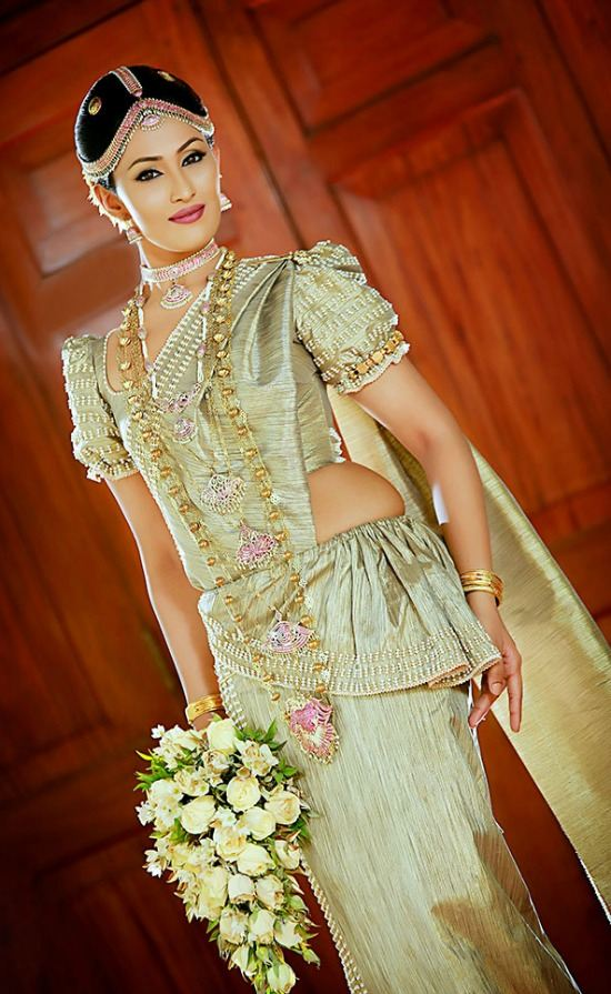 Sri lankan Gold Shaded Wedding Short Puff Sleeve Blouse