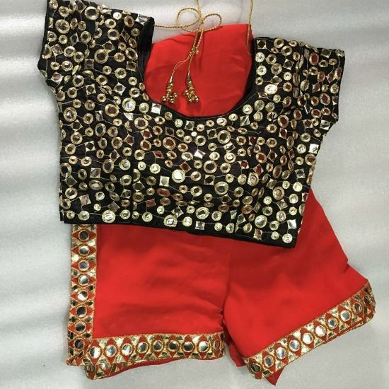 Georgette Saree With Black Full Mirror Work Blouse