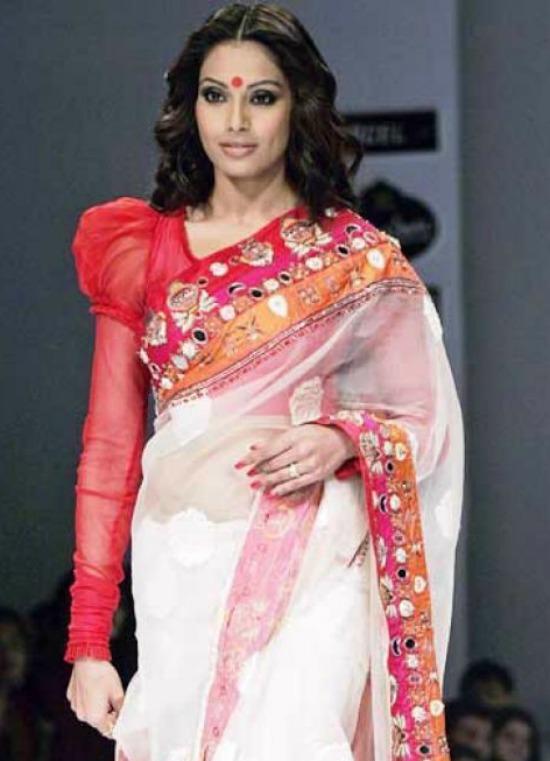 White Bengali Mirror Work Saree With Puff Sleeve
