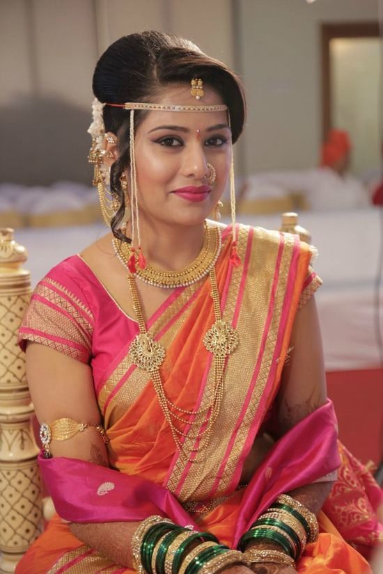 Marathi Weddings Bridal Wearing Short Sleeve Blouse