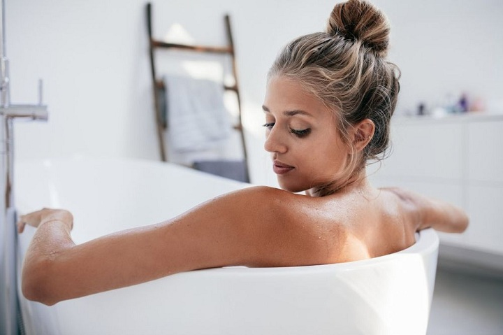 Epsom Salt Bath During Pregnancy – Benefits and How to Do?