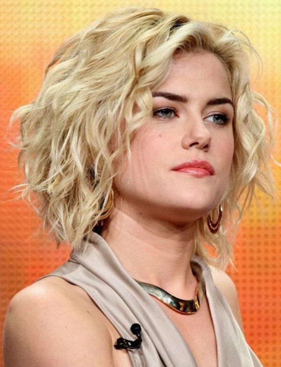 Rachael Taylor Curly Blonde Hair